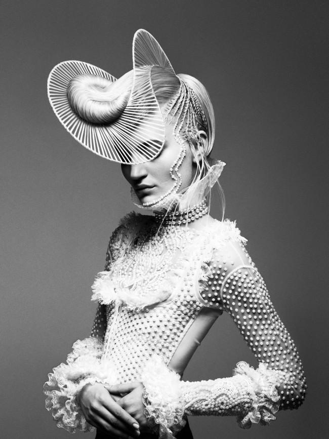 Karen Kananian, photography, dark, ethereal, obscure, white, black and white, black & white