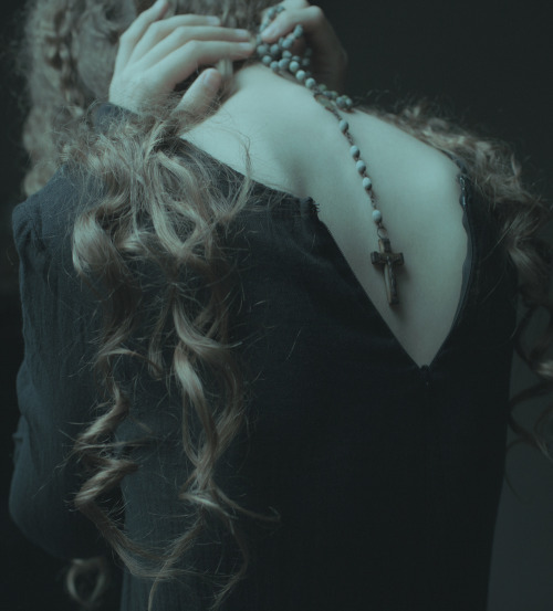 Laura Makabresku, photography, dark, fairytales,, folktales, ethereal, melancholy, obscure,