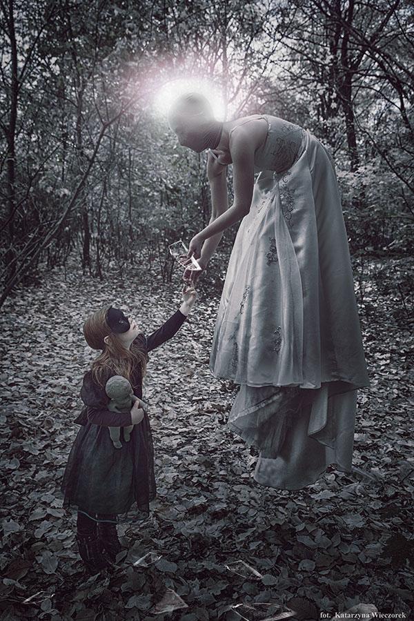 Katarzyna Wieczorek, photography, dark, obscure, photomanipulation