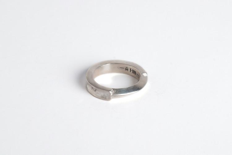 1-100, jewellery, ring, dark, obscure, avantgarde, silver