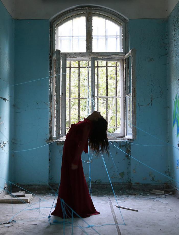 Chiara Mazzocchi, photography, selfportrait, dark, obscure, conceptual