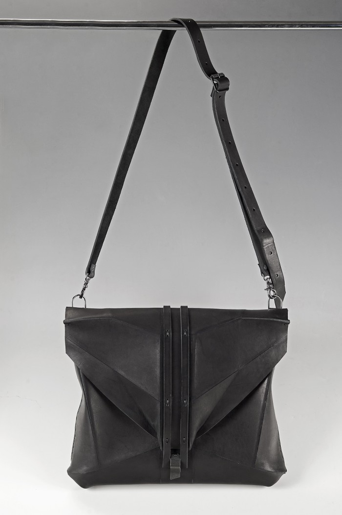 Omtura, accessories, leather, bag, artisanal, handmade