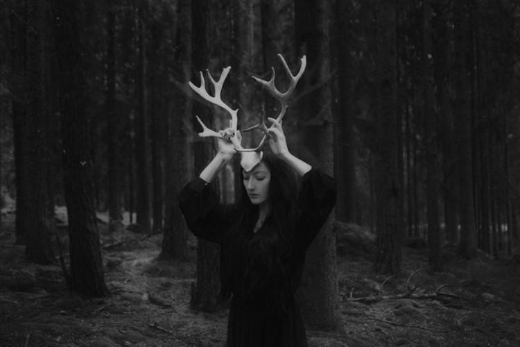 Daria Endresen, Thrjar, digital art, jewellery, dark, art, runes, interview