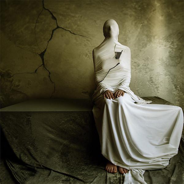 Katerina Lomonosov, photography dark, obscure, surreal