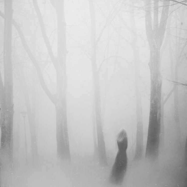 Mirjana Grasser, photography, dark, obscure, black and white