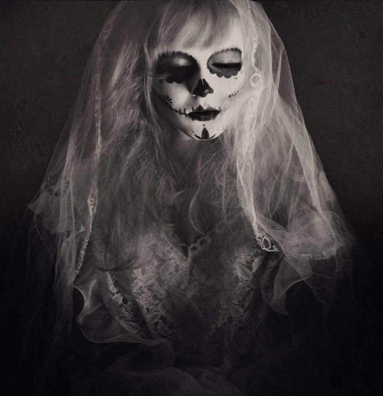 The surreal photography of Janine Machiedo