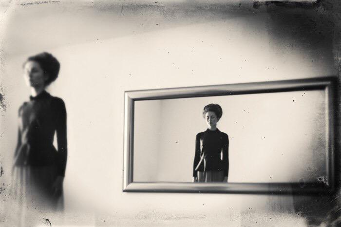 Robert Hutinski, photography, dark, obscure, black and white