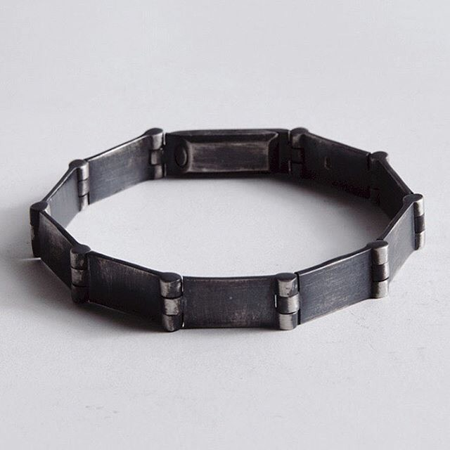 Stephanie Said Jewellery, jewellery, avantgarde,accessories, dark, obscure, bracelet, cuff, silver