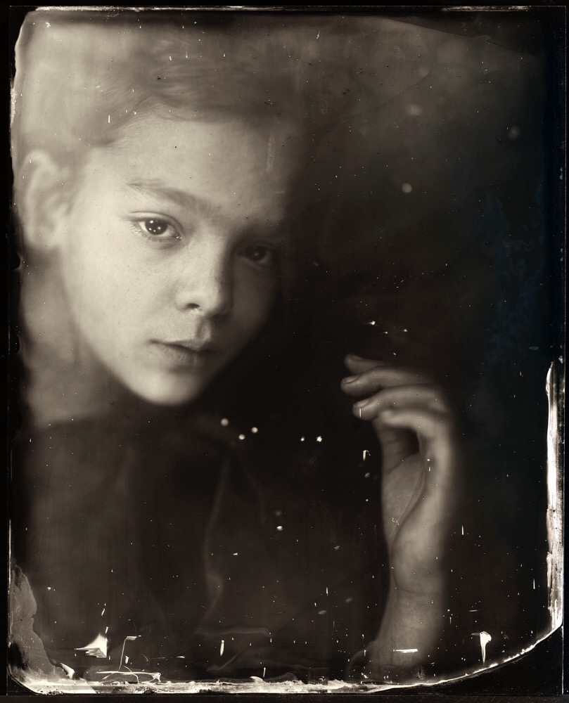Jauelina Roberts, photography, dark, obscure, ethereal, eerie, analog photography