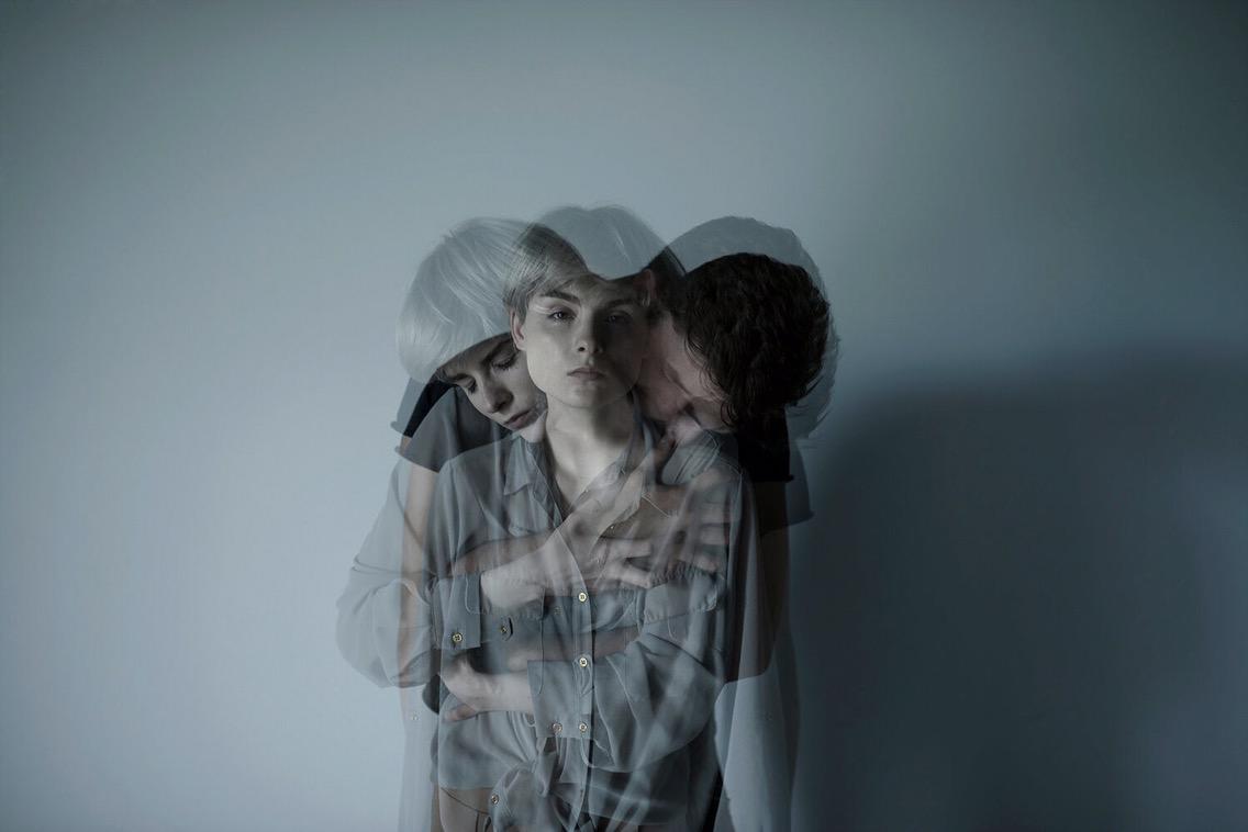 Weronika Izdebska, photography, dark, obscure, color photography