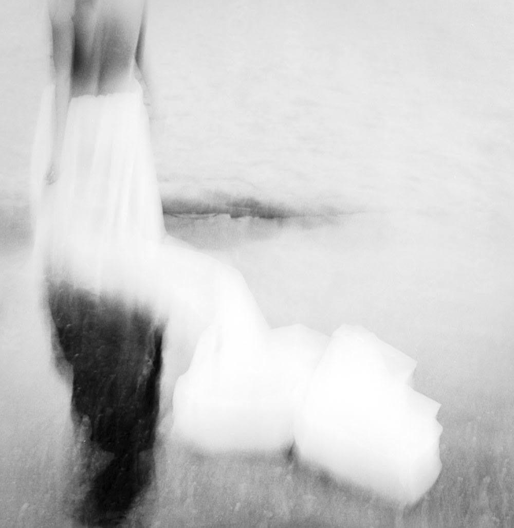 Ilinka D'Intino, photography, black and white, analog photography, film photography, ethereal, dark, obscure