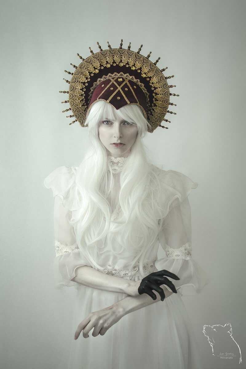 Loes Gorseling, photography, dark, art, obscure, color photography, portrait